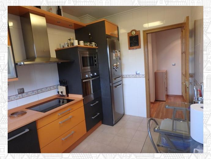 Photo 19 of Apartment in Street Estrada Vella De Santiago 84 / Parroquias Rurales, Lugo Capital