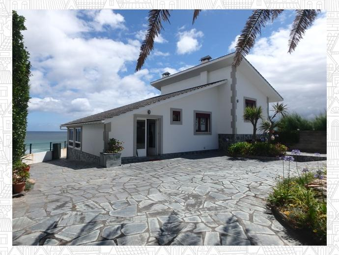 Photo 1 of House in  Avenue Casiano Moreno, 51 / Barreiros