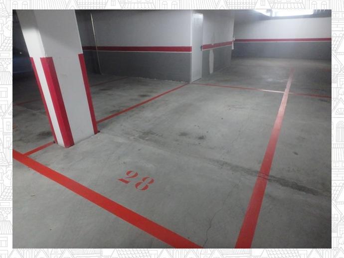 Foto 1 de Garaje en  Curros Enriquez, 33 / Cambre