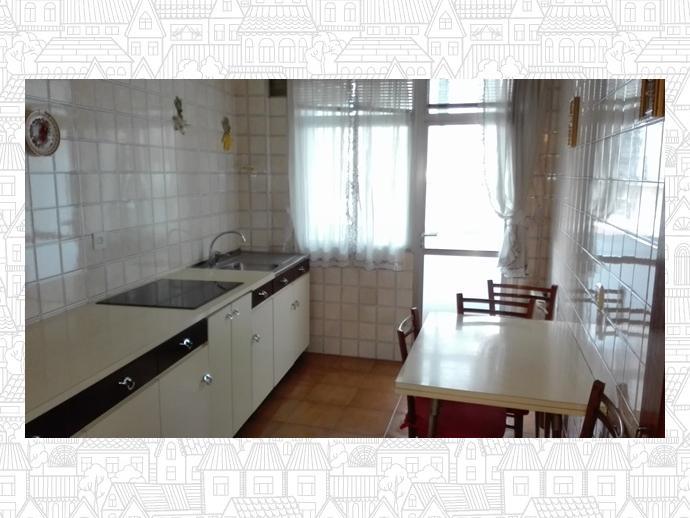 Foto 1 de Piso en Lugo Capital - Residencia - Avenida De Las Américas / Residencia - Abella, Lugo Capital