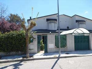 Casa adosada en Venta en Linar de la Maliciosa / Zona Iglesia - Estación