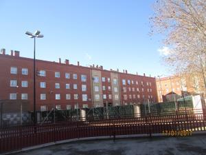 Piso en Alquiler en De Los Girasoles / Ayuntamiento - Avenida Siglo XXI