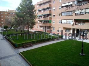 """Alquiler Vivienda Piso piso 3 dormitorios con ascensor y terraza zona """"la poveda"""""""