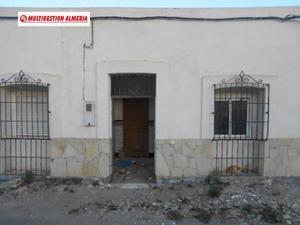 Chalet en Venta en Benahadux ,el Chuche / Benahadux