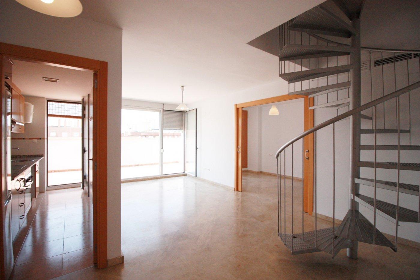 Location Appartement  Alaquas ,alameda. Se alquila atico duplex en zona alameda de alaquas