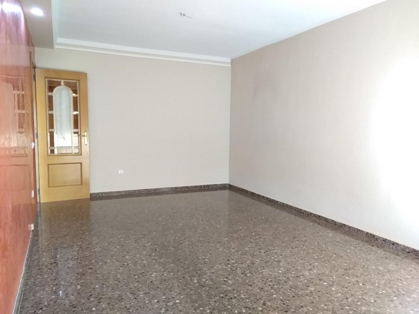 Alquiler Piso  Alaquas ,camino viejo. Se alquila piso en zona la sequieta de alaquas