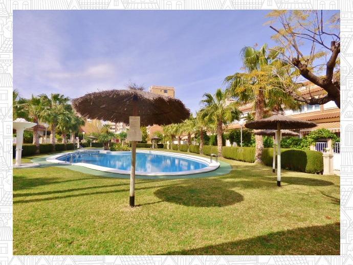 Foto 6 de Casa adosada en Avenida San Sebastian / Playa de San Juan, Alicante / Alacant