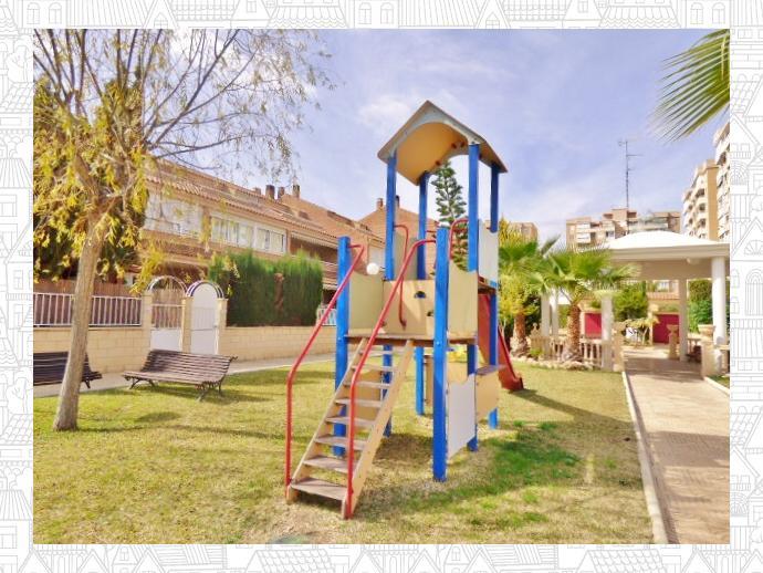 Foto 21 de Casa adosada en Avenida San Sebastian / Playa de San Juan, Alicante / Alacant