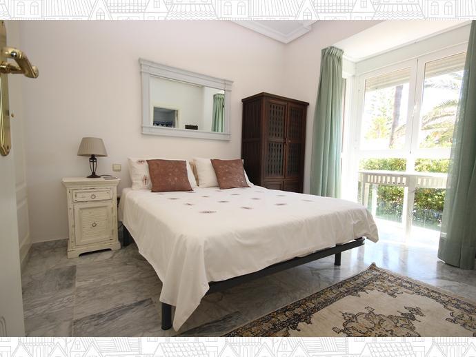 Foto 6 de Casa adosada en Avenida Alameda Del Mar 10 / Los Monteros - Bahía de Marbella, Marbella