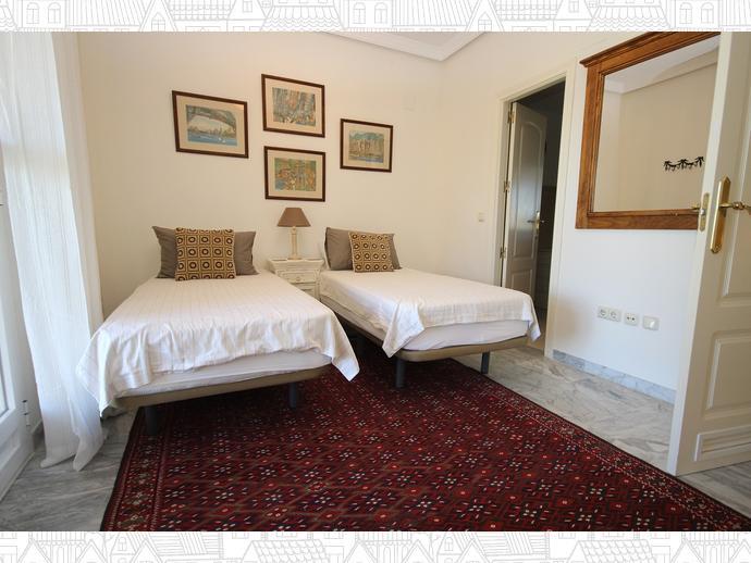 Foto 11 de Casa adosada en Avenida Alameda Del Mar 10 / Los Monteros - Bahía de Marbella, Marbella