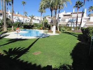 Piso en Venta en Bahía de Marbella Complejo en Primera Linea de Playa / Las Chapas