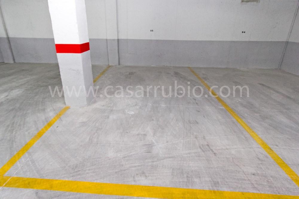 Parking coche en Tibi