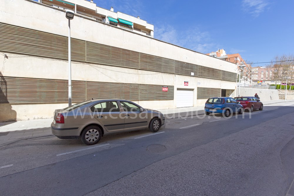 Car parking  Avenida constitucion de onil