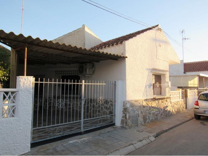 casa adosada en san javier en planta baja en el barrio de