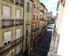 Apartamento en Alquiler en San Antón / Casco Antiguo