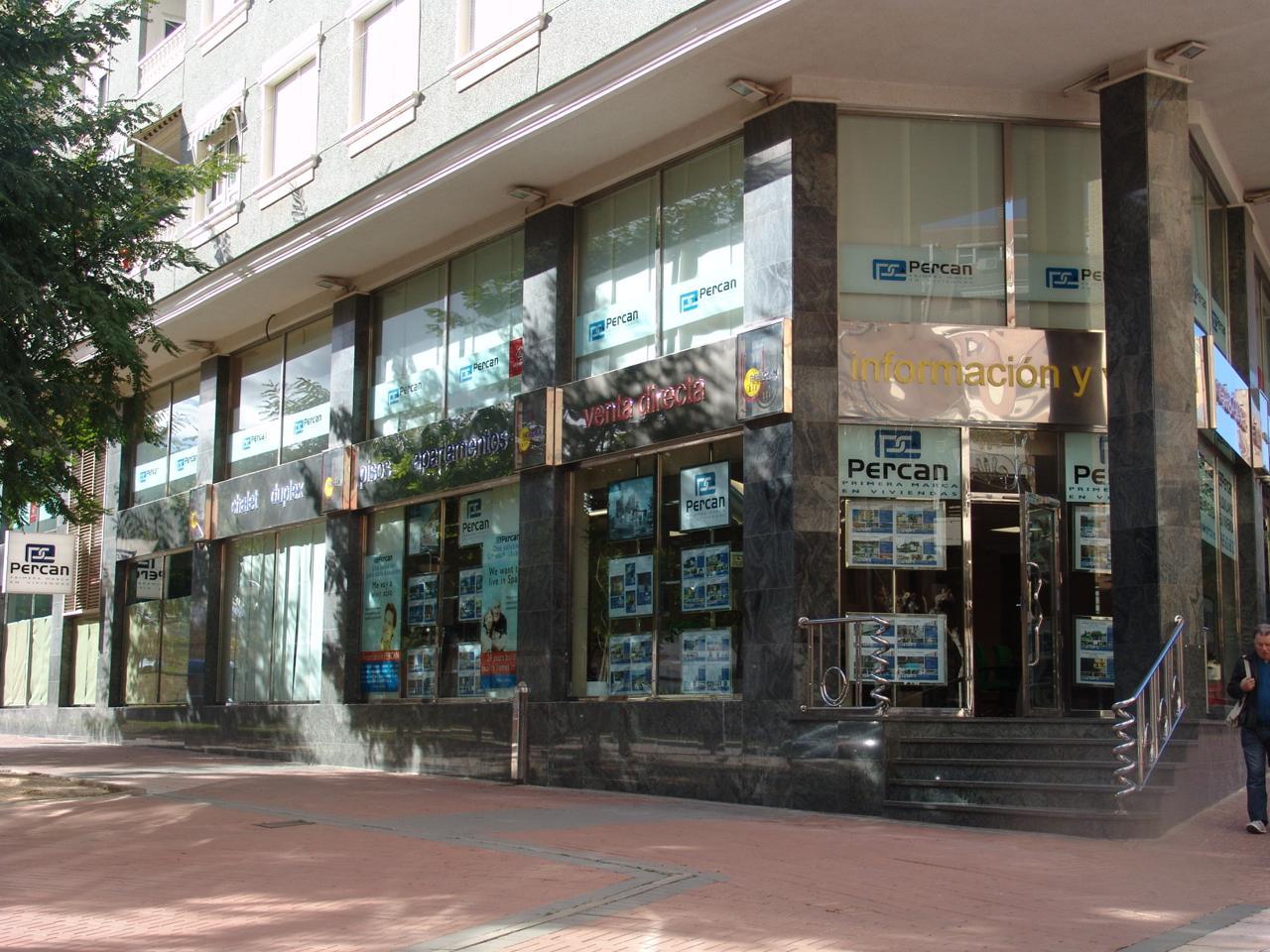 Affitto Ufficio  Avenida del carrer la mar. Este despacho amueblado se encuentra en avenida del carrer la ma