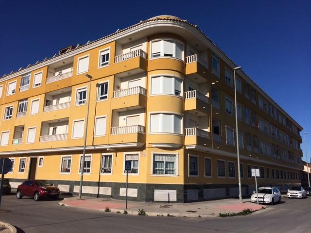 Alquiler Piso  Calle jacinto benavente, 3. Este piso se alquila sin muebles y sin electrodomésticos en la c
