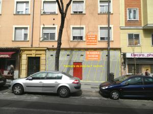 Local comercial en Alquiler en De Extremadura, 144 / Latina
