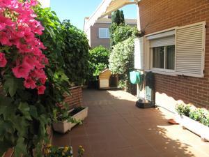 Casa adosada en Venta en Zona Santa Marta / Rivas Urbanizaciones