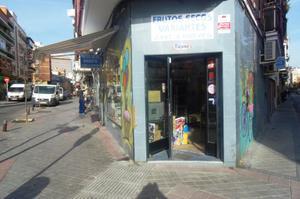 Local comercial en Traspaso en Antolina Merino / Carabanchel