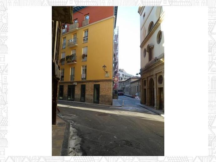 Piso en pamplona iru a en casco antiguo en calle descalzos 130613419 fotocasa - Alquiler pisos casco viejo pamplona ...