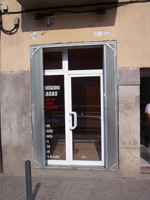 Alquiler Local Comercial  Carrer del carme, 73. Local petit a peu de carrer en una zona amb molta afluència.