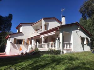 Chalet en Venta en El Espinar - Los Ángeles de San Rafael / El Espinar