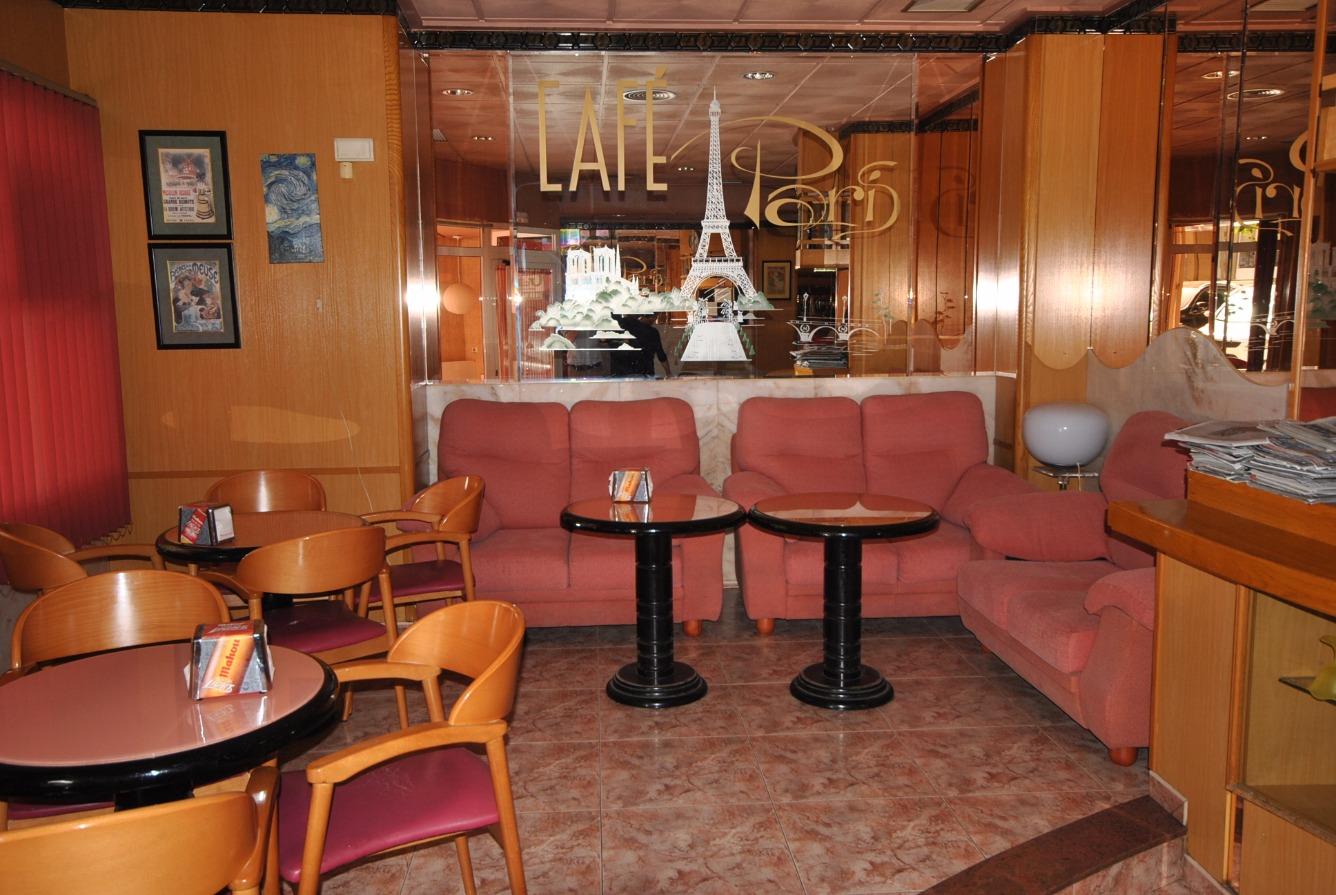Business premise  Onil, zona de - Onil. Cafetería en Onil, situada en una de las principales arterias de