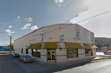 Nave industrial de alquiler en El Pinós / Pinoso