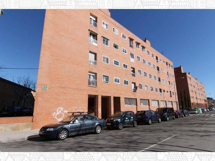 Piso en huesca capital en santiago en calle santo cristo for Pisos alquiler huesca capital