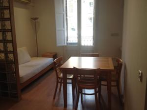 Apartamento en Alquiler en Comte D'urgell / Eixample