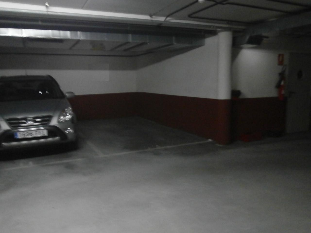 Garaje en venta en El Coto – Viesques