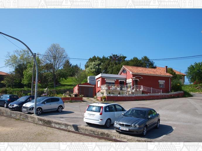 Foto 2 de Chalet en Calle San Esteban 280 / Miengo