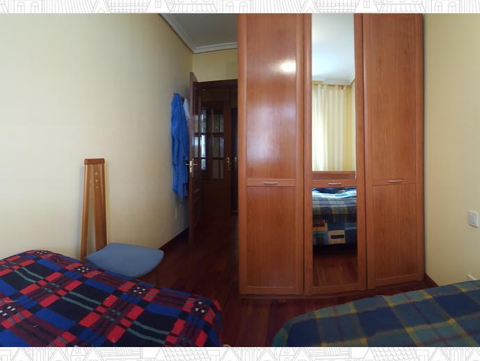 Foto 12 de Apartamento en Travesia Muriago 3 / Los Corrales de Buelna
