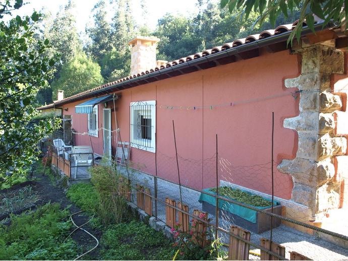 Foto 2 de Casa adosada en Camino Pasada Del Rio 2 / Bárcena de Pie de Concha