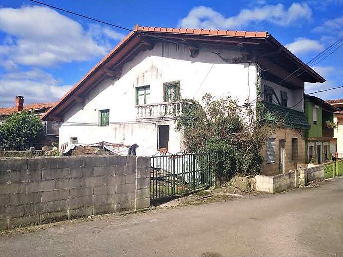 Foto 1 de Casa adosada en Calle Tarriba 72 / San Felices de Buelna