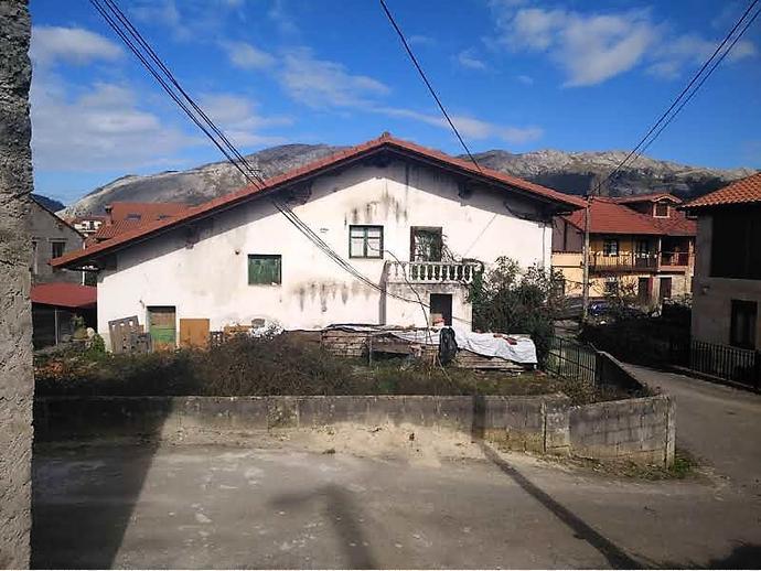 Foto 3 de Casa adosada en Calle Tarriba 72 / San Felices de Buelna