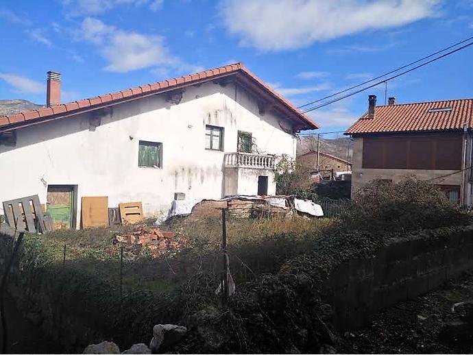 Foto 4 de Casa adosada en Calle Tarriba 72 / San Felices de Buelna