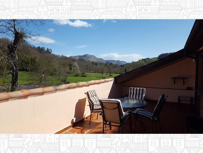 Foto 9 de Casa adosada en Calle Coo-Llano 16 / Los Corrales de Buelna