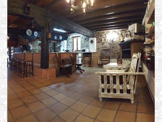 Foto 1 de Casa adosada en Calle Coo-Llano 16 / Los Corrales de Buelna