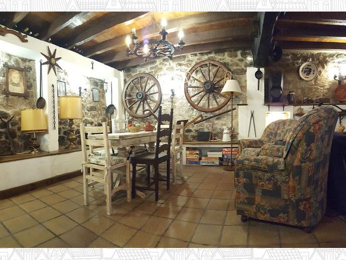 Foto 2 de Casa adosada en Calle Coo-Llano 16 / Los Corrales de Buelna