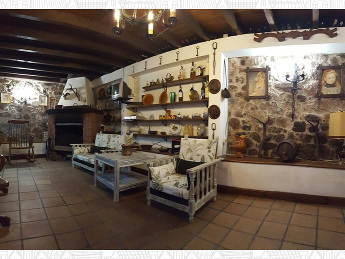 Foto 3 de Casa adosada en Calle Coo-Llano 16 / Los Corrales de Buelna