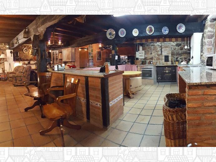 Foto 4 de Casa adosada en Calle Coo-Llano 16 / Los Corrales de Buelna
