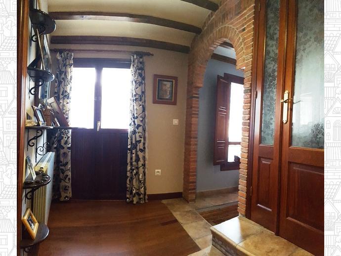 Foto 7 de Casa adosada en Calle Coo-Llano 16 / Los Corrales de Buelna