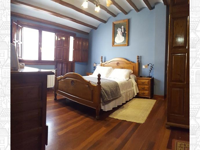 Foto 12 de Casa adosada en Calle Coo-Llano 16 / Los Corrales de Buelna