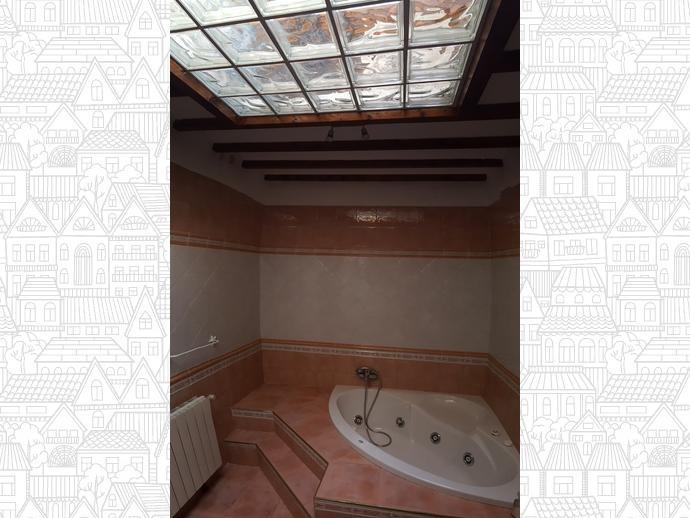 Foto 16 de Casa adosada en Calle Coo-Llano 16 / Los Corrales de Buelna