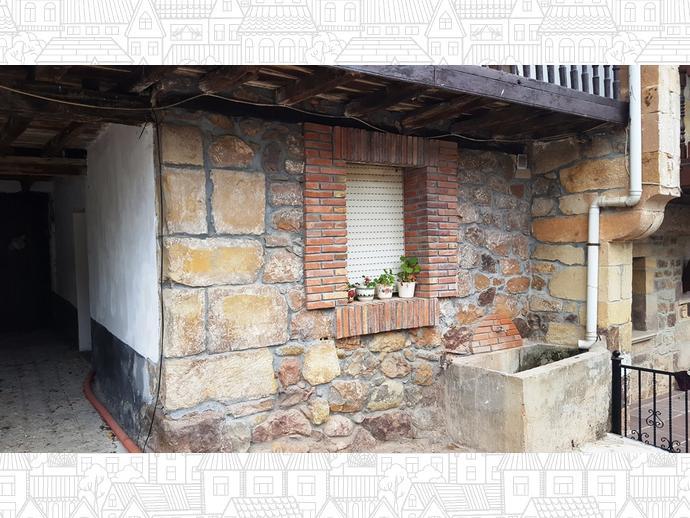 Foto 2 de Casa adosada en Calle Coo - Pereda 34 / Los Corrales de Buelna