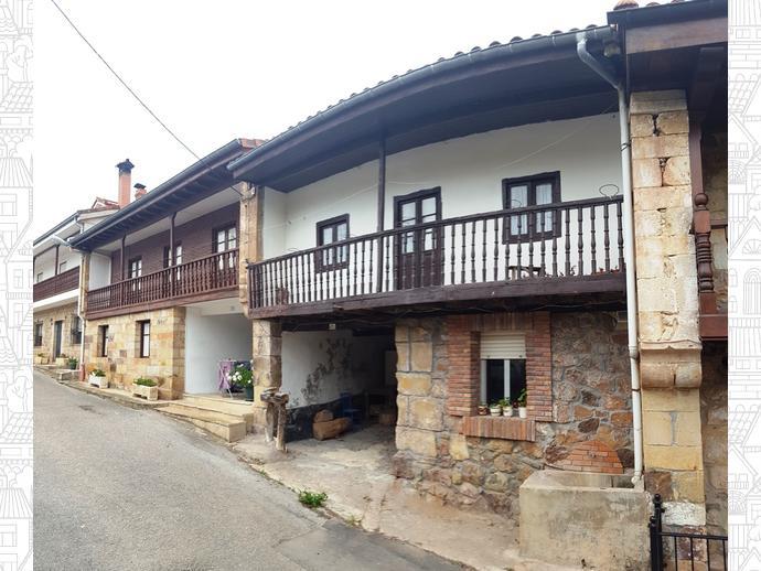 Foto 3 de Casa adosada en Calle Coo - Pereda 34 / Los Corrales de Buelna