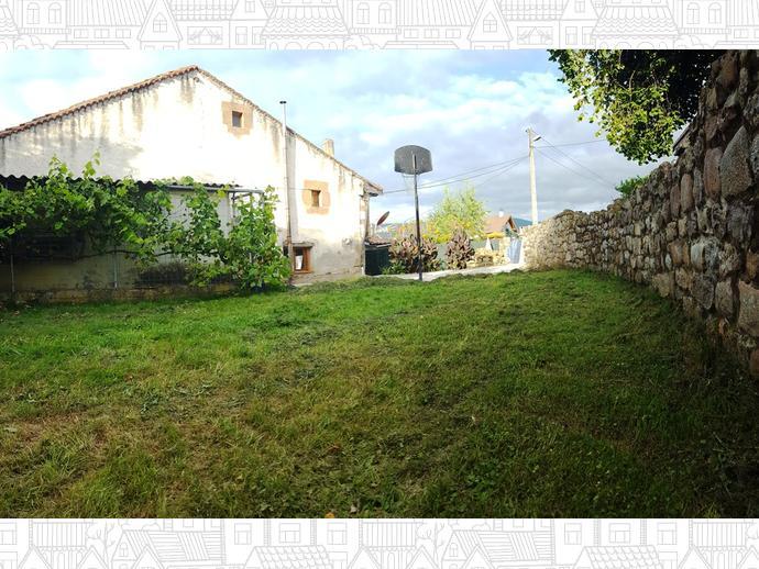 Foto 1 de Casa adosada en Calle Barcenías 3 / Molledo
