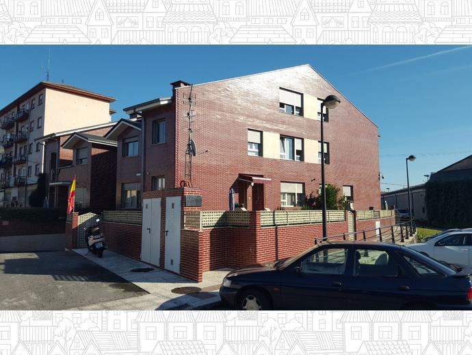 Foto 20 de Chalet en Calle El Cerezo 33 / Cerezo - Aspla - Torres, Torrelavega